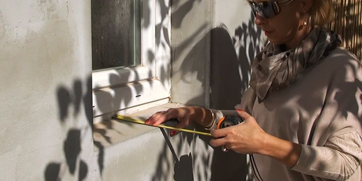 Ablakpárkány díszítésének első lépése a felmérés.